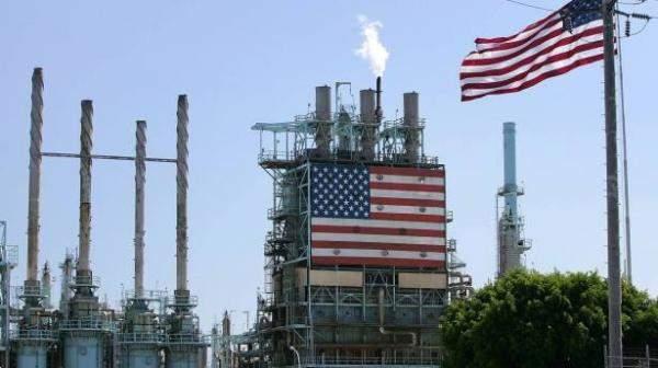 استقرار النفط مع تباطؤ نمو نشاط التنقيب في أميركا