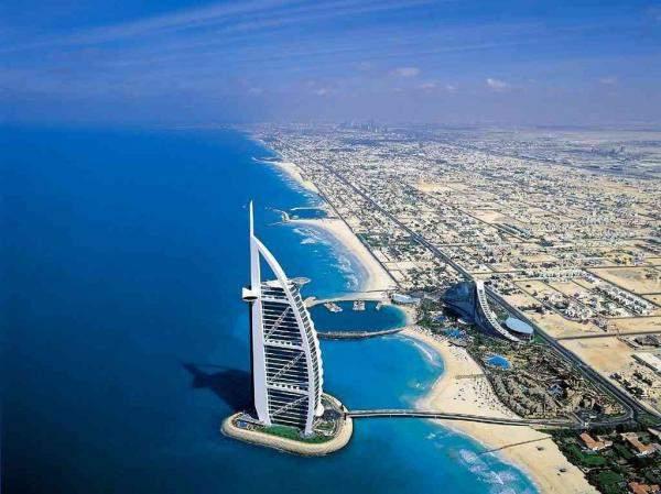 حجم التبادل التجاري بين الإمارات و كندا يصل لملياري دولار