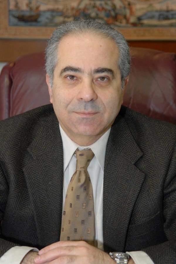 صلاح عسيران :لا تستسلموا لسهولة مغادرة لبنان ولا تسلّموا بلدكم للفساد