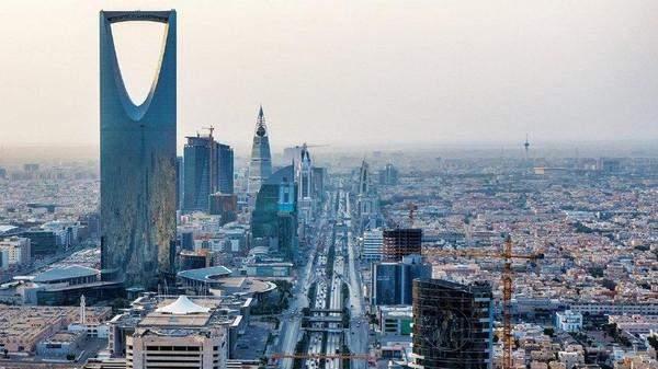الراجحي يشيد بقرار حكومة أبوظبي بإعفاء المستثمرين السعوديين من الرسوم