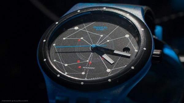 """""""Stark"""" ساعة ذكية هجينة و""""سووتش"""" تدخل عالم البرمجيات الذكية"""