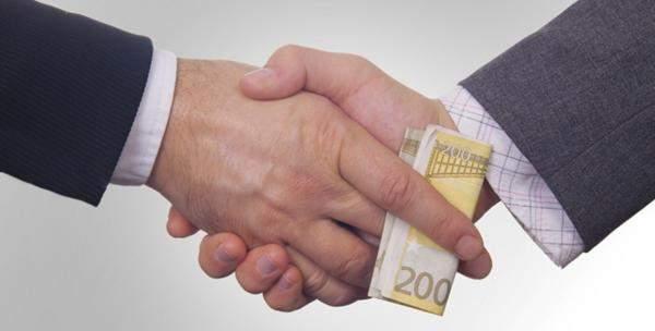 الحرب بين الإصلاح والفساد
