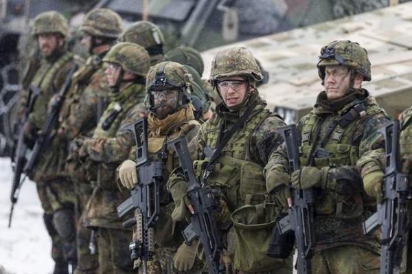 ميركل: ألمانيا ستزيد الإنفاق الدفاعي لكن ببطء