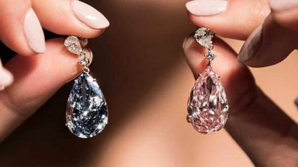 بيع حلقتين من الماس بأكثر من 57 مليون دولار