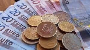 اليورو يرتفع بنسبة 0.31% إلى 1.2372 دولار