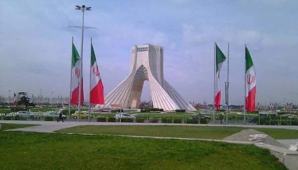 إيران: الإتفاق النووي يعود باستثمارات أجنبية بقيمة 10 مليار دولار حتى الآن