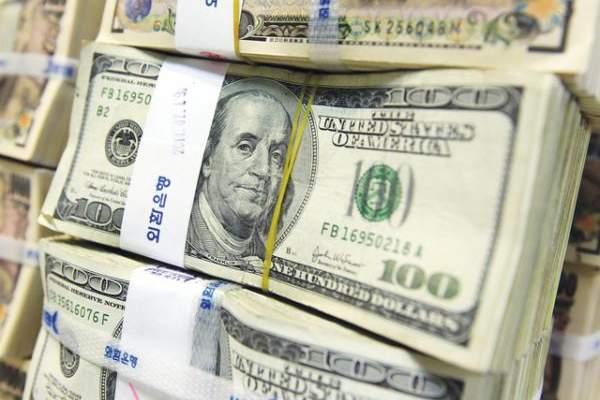 التقرير اليومي 23/5/2017: خاص - طلب قوي على الدولار في السوق المحلي يلجمه مصرف لبنان بالتعاون مع المصارف