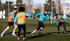 ريال مدريد يستعيد بنزيما وراموس يتدرب وحيدا