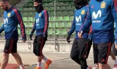 بيكيه خارج تدريبات المنتخب الاسباني