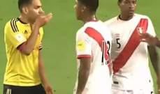 حقيقة ما جرى بين لاعبي البيرو وكولومبيا والمفاجأة كبيرة