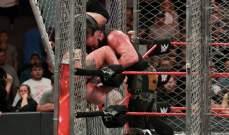 سترومان يطيح ببيغ شو في مباراة القفص الحديدي وخلاف بين سينا وراينز