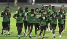 لاعبو المنتخب السعودي : الخسارة من اليابان بسبب الاخطاء التحكيمية