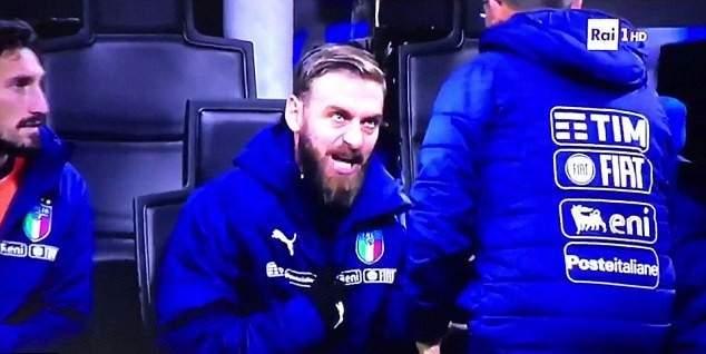 دي روسي يفقد اعصابه في مباراة السويد