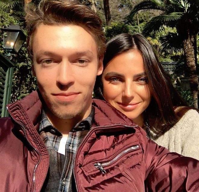 دانيل كيفيات مع حبيبته