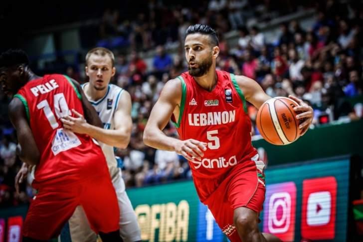 مشاهدات من مباراة لبنان وكازاخستان