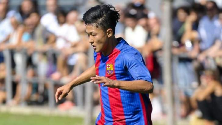 دورتموند مهتم بالتعاقد مع لاعب برشلونة للشباب