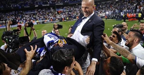 5023899 1541065005 - زيدان لا يفكر بالعودة الى ريال مدريد رغم رغبة اللاعبين بذلك